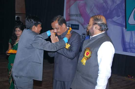 Director sir Mr. Vivek Srivastava welcoming Honourable Deputy Chief Minister Mr. Dinesh Sharma